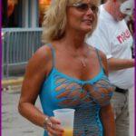 Blonde divorcée de 54 ans en manque d'affection à Saint-Pol