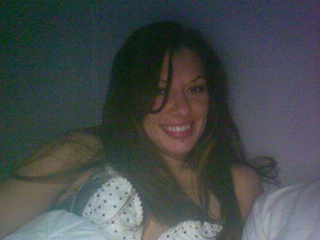 Lève-tôt, 32 ans, je m'appelle Myriam et j'aimerais bien trouver un partenaire libre